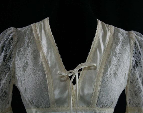 34 70s Angel Sleeves Romantic 5 Dress 1970s Lace Small Satin Romantic Ivory Alt Flare Bust Wedding Size 43009 Dress 6 Hippie qZOxEwqU