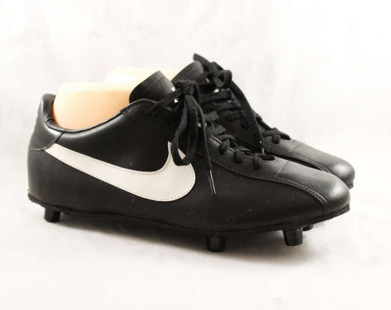 adac2ba4b Size 7 Men s Nike Football Cleats 1980s Athletic Shoes