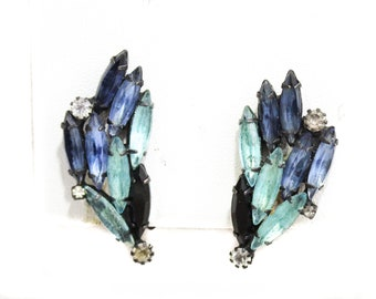 1950s Blue Rhinestone Earrings - Japanned Black Metal - Reflective Aquatic Water Look - Aquamarine - Late 50s 60s Clip Earrings - 50376