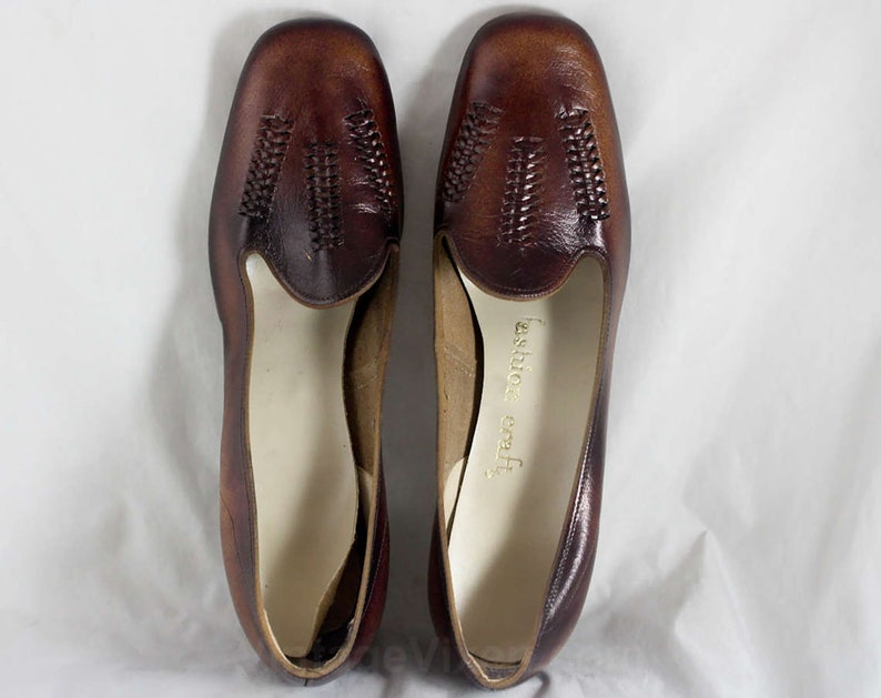 4ae0d170b91bb Size 8.5 Shoes - Unworn Mod 1960s Leather Pumps - 8 1/2 AA - Dark Brown  Herringbone Woven Leather Shoe - Fall Autumn NOS 60s Deadstock