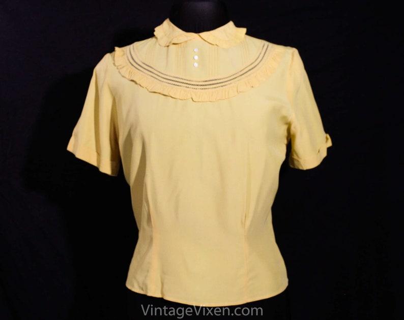 3185bc99405f78 Size 14 1940s Blouse Mustard Yellow 40s Rayon Shirt Short
