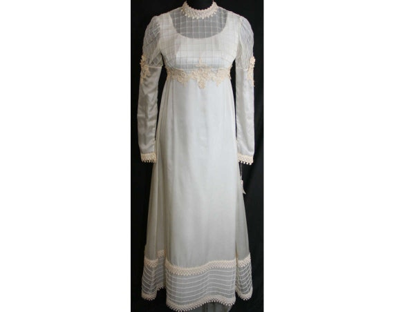Size 8 Wedding Dress - Lattice Tucked 1960s Empire