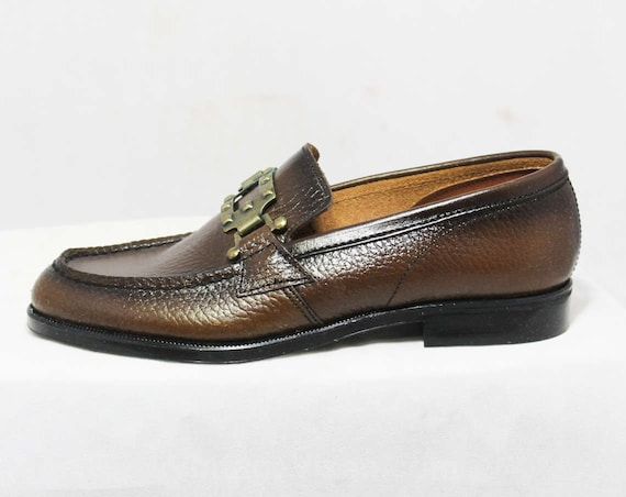 424bba64585 Size 1 Boys Shoes Authentic 1960s Brown Leather Loafers