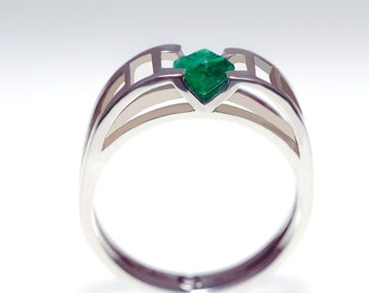 Emerald Silver Ring, Silver Geometric Ring, Emerald Engagement Ring, Unique Engagement Ring, Geometric Solitaire ring, Birthstone Ring,