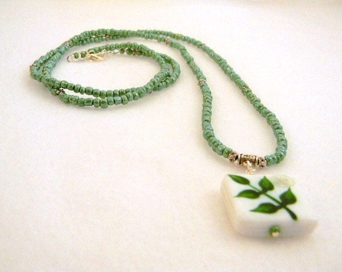 Bohemian Necklace, Green Long Necklace, Long Green Necklace, Long Pendant Necklace, Green Necklace