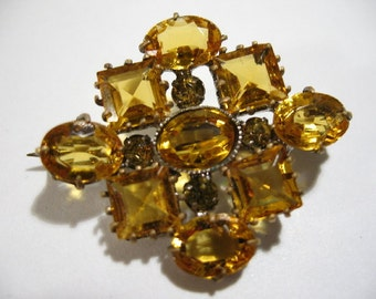 """Vintage Art Deco Brooch with Faceted Glass Stones, """"C"""" Clasp"""