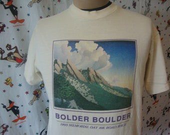 8060ea548 Vintage 90's NIKE Gray Tag Bolder Boulder 1993 10K Road Race Official  Colorado Rare Running Track and Field Tee White T Shirt Size L Large