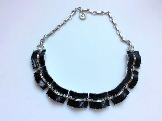 Black Lisner Thermoset Necklace - Rare!