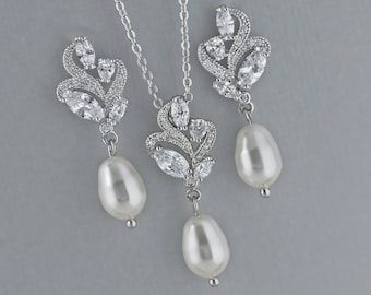 Ivory Pearl Earrings & Necklace Set, Bridal Jewelry Set, Wedding Jewelry Set, , SilverJewelry Set, Bridesmaid jewelry set, FLEUR
