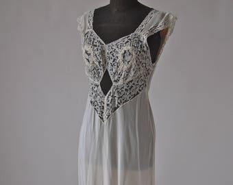 40's Nightgown Peek-a-boo Art Deco Countess Layne Cream Lace Bias Cut Slip size medium