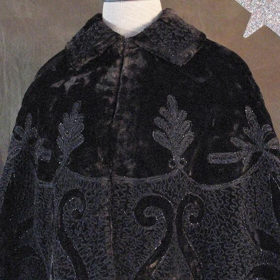 Victorian Plush Winter Cape Jacket 1800's with Sou
