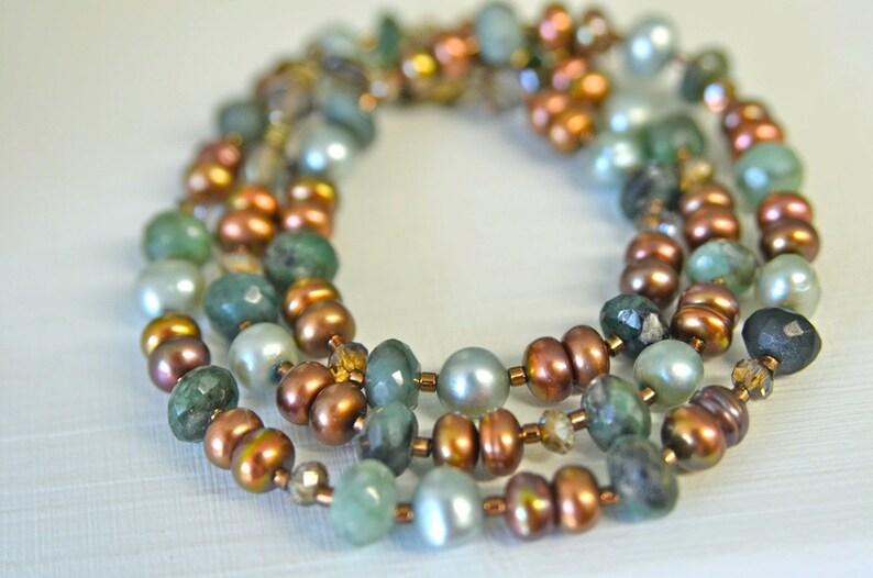 07e22f39ef08 Collar esmeralda verde natural con cristales y perlas de agua