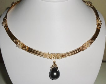 "Natural 19mm Dark Gray Tahitian Cultured Pearl, 14kt yellow gold bail with 6 diamonds, 14kt Yellow Gold 20"" Necklace"