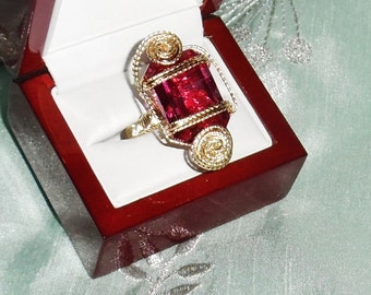 40 ct Natural Fancy Hot Pink Topaz gemstone, 14kt yellow gold Ring size 10