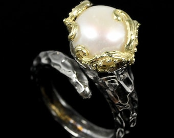 Natural 10 mm White Cultured Pearl, 14kt Yellow Gold, Black Rhodium Ring, FREESIZE