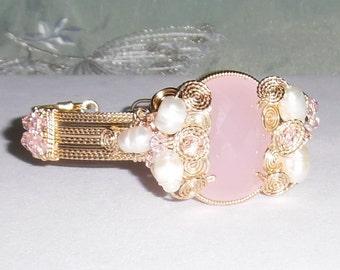 Natural 45 ct Oval Rose Quartz gemstone, 14kt yellow gold Bangle Bracelet