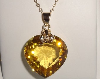23ct Natural Heart Yellow Quartz gemstone, 14kt yellow gold pendant, gold box chain