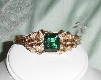 Natural 23 ct FLAWLESS Princess cut Green Amethyst gemstone, 14kt yellow gold Bangle Bracelet