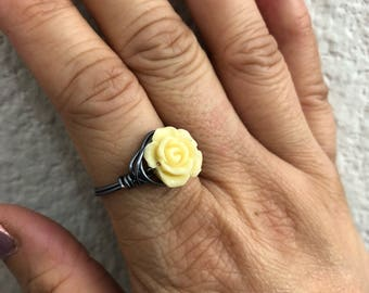 Cream Resin Rose Wire Wrapped Ring