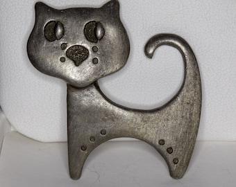 Pewter Cat Pin/Brooch