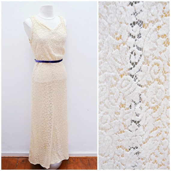 1930s Cream wool lace sweetheart neckline fitted f