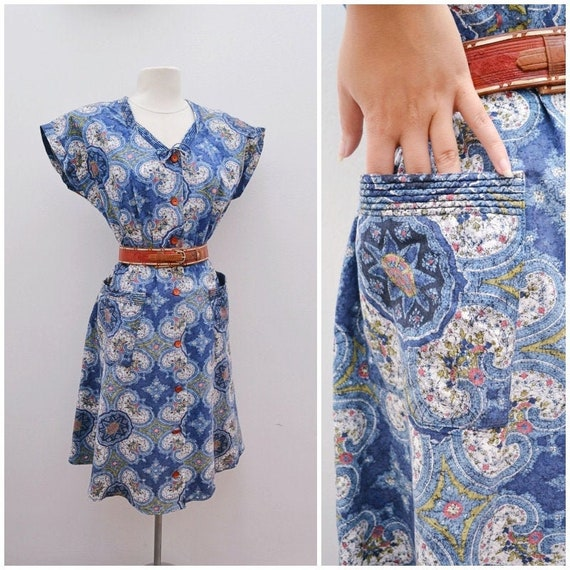 1940s Blue printed cotton day dress with pockets /