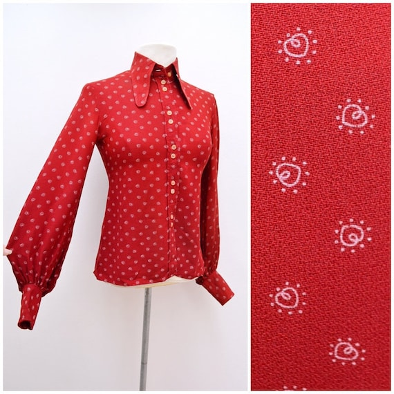 1960s 70s Red crepe beagle collar heart print blou