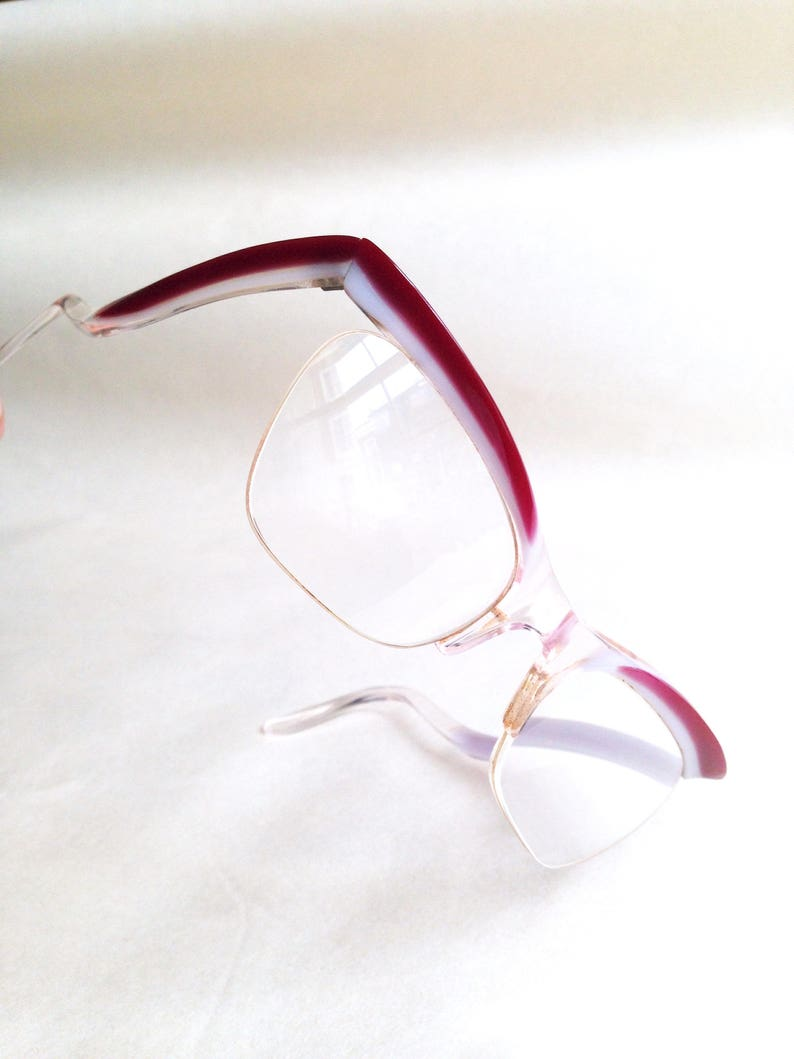 f94459bae87 1950s Red stripe cateye spectacle frames   50s white red cat