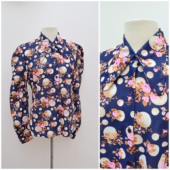 1970s Dark blue novelty bubble & flower print puff