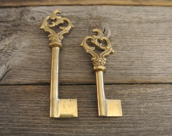 Vintage Antique Brass Victorian II Heart Skeleton Key