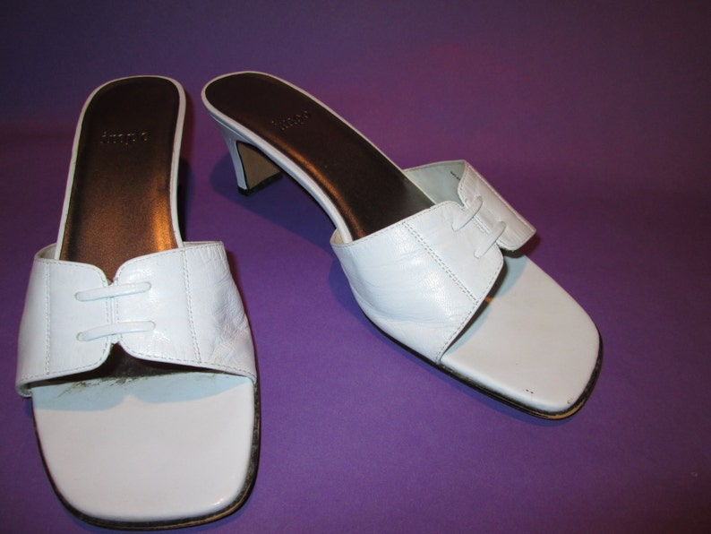 7af316c3c6aca Vintage White Leather Heels/Sandals by Impo, Size 7 1/2 B