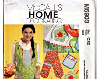 McCall's Pattern M5903 Uncut Kitchen Essentials Home Decorating Apparel Apron Oven Mitt Pot Holders Towel Template Paper Pattern