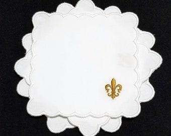 Gold Fleur de lis white fabric Cocktail Napkins w/small scalloped edge, reusable/washable beverage party napkins w/fleur de lis embroidery