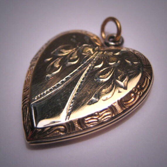Antique Victorian Locket Vintage Heart Engraved Pe