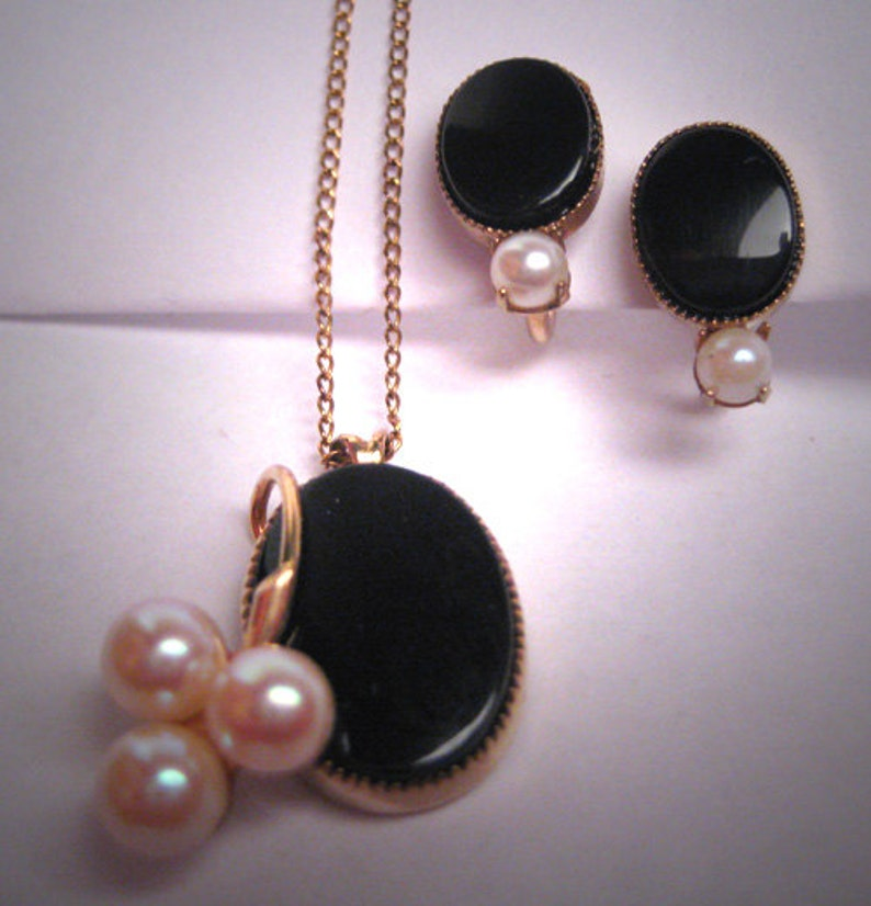 Antique Onyx Pearl Necklace and Earrings Vintage Art Deco Gold
