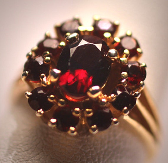 Estate Victorian Style Bohemian Garnet Ring Vintag