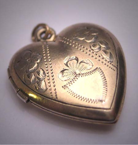 Antique Gold Heart Locket Necklace Vintage Victori
