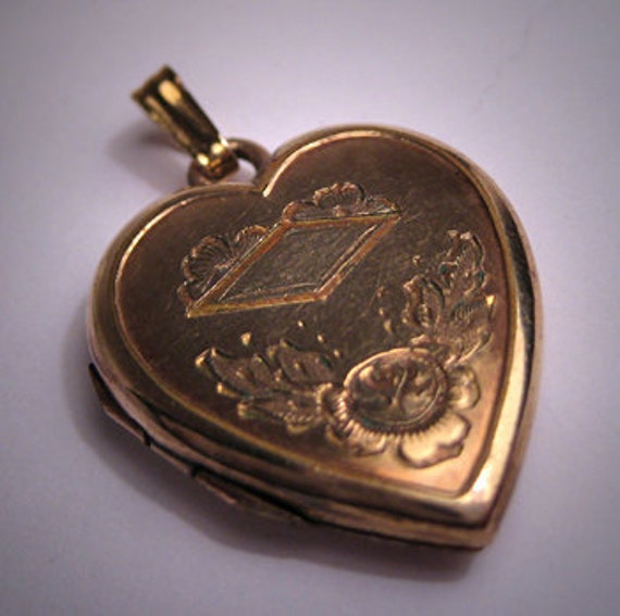 Antique Victorian Gold Locket Pendant Vintage Hear