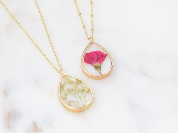 Nature Lover Gift Minimalist Necklace Delicate Necklace Pressed Flower Necklace Dainty Necklace Small Necklace Hyndrangea Necklace