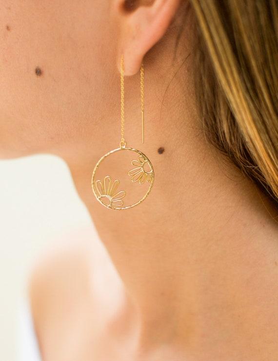 Daisy Earrings | Threader Earrings | Gold Earrings | Dangle Earrings | Statement Earrings | Gift for her | Bridesmaids Gift | Hoop Earrings
