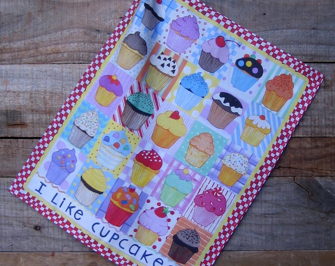 CUPCAKES Linen/cotton kitchen towel