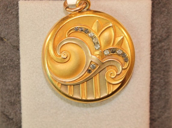 Art Deco Art Nouveau Locket