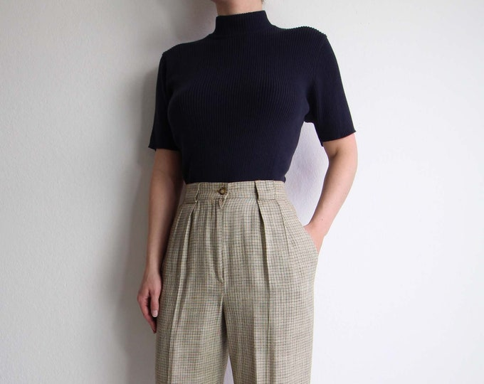 Vintage Mock Neck Top Ribbed Knit Womens Top Small Shortsleeve Gray