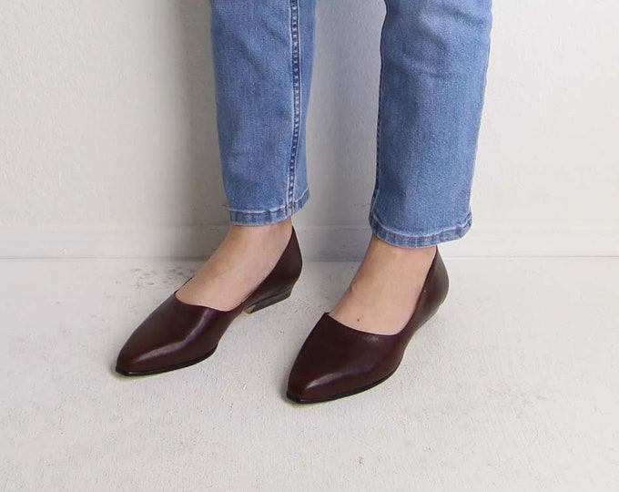 Vintage Leather Point Toe Slip Ons Womens Shoes Size 8