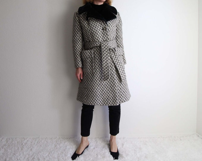 Vintage Womens Coat Small Wool Winter Coat 1970s Houndstooth Plush Gray