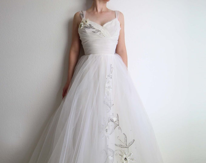 Vintage 1950s Wedding Dress White Gown Tulle Sequin Sweetheart Womens XS