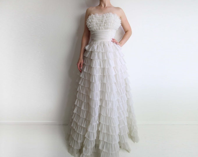 Vintage 1950s White Gown Strapless Tiered Tulle Dress Formal Floor Length Wedding Dress Women XS