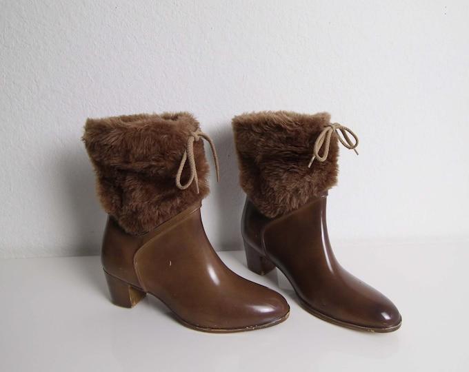 Vintage Rubber Boots 1980s Faux Fur Heels Womens Shoes Size 7