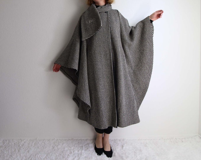 Vintage Cape Womens Wool Houndstooth Black White Scarf Winter Coat