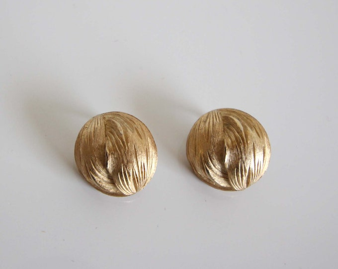 Vintage Earrings 1960s Gold Round Clip Ons Vintage Jewelry
